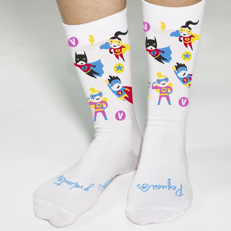 KINEWA participa en el diseño de los calcetines solidarios de la Fundación Dinosol